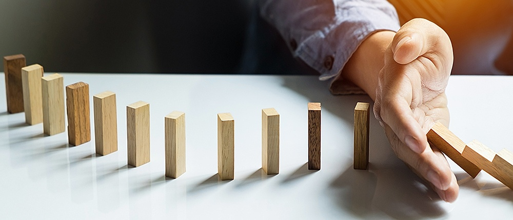 B2B-Domino-effect-debt-collection